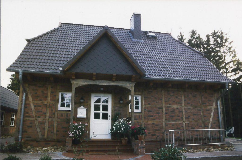 Eichenfachwerk mit Vordach, Jesteburg